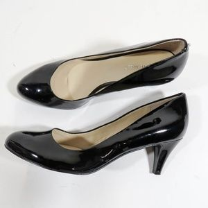 Nine West Size 8 Black Patent Leather Heels